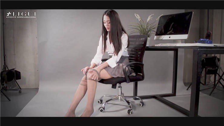 [Ligui丽柜]HD视频 2017.11.23 楠楠 女秘书的丝袜玉足[1V/277M]